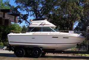 "Cruisers | 1980 28'0"" Sea Ray 270 SRV Sedan Bridge"