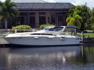 "Cruisers | 1982 36'0"" Sea Ray Express T Top"