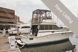 """Sports Fishing Boats   1986 32'0"""" Trojan F32"""