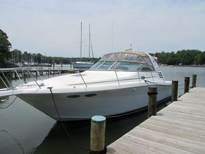"Express Cruiser | 1999 33'6"" Sea Ray 330 Express"