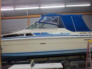 "Cruisers | 1983 27'0"" Sea Ray 270 Sundancer"
