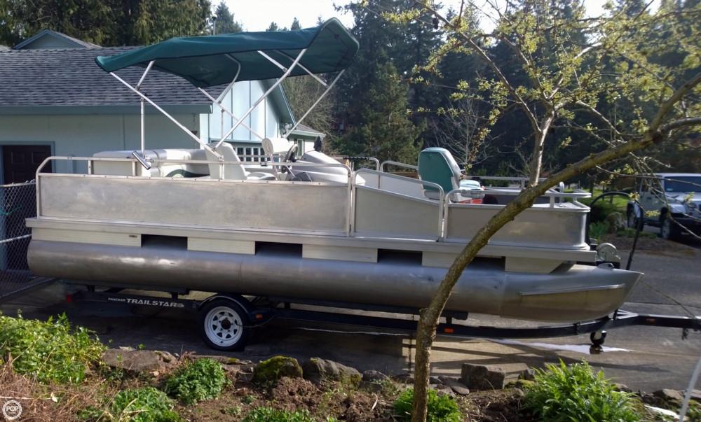 1997 used sun tracker 20 fun fish pontoon boat for sale for Used fishing pontoon boats for sale