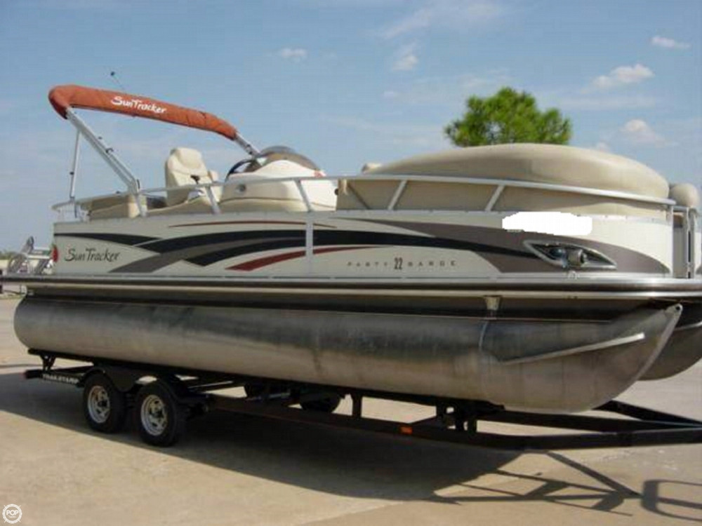 2009 Used Sun Tracker 22 Regency Edition Party Barge