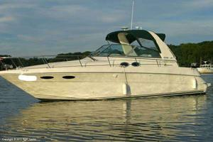 "Express Cruiser | 2000 31'0"" Sea Ray 310 Sundancer"
