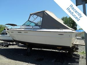 "Express Cruiser | 1977 30'0"" Sea Ray 30 Weekender"