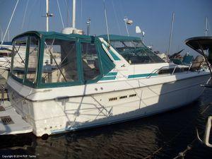 """Express Cruiser   1988 39'0"""" Sea Ray 390 Express Cruiser"""