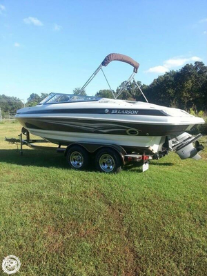 Used Larson Lxi208 Bowrider Boat For Sale