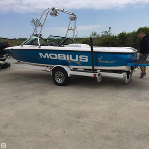 Used Moomba 20 Mobius Ski and Wakeboard Boat For Sale
