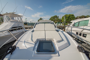 Used Cruisers Yachts Express Coupe Sports Cruiser Boat For Sale