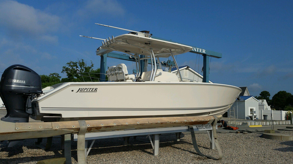 New Jupiter 30 Hybrid Forward Seating Center Console Fishing Boat For Sale