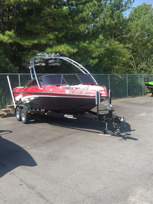 Used Calabria Cal-Air Pro-V™ Ski and Wakeboard Boat For Sale