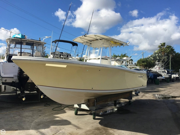 Used Sailfish 238 Kingfish Center Console Fishing Boat For Sale