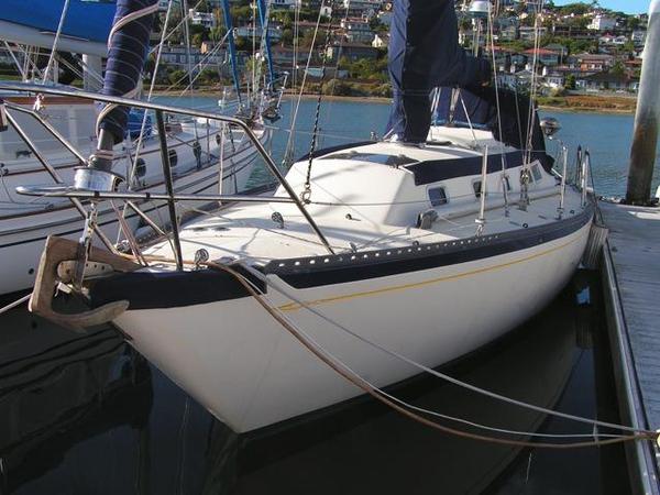 Used Islander Yachts 36 Sloop Sailboat For Sale