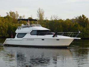Used Carver 374 Voyager Diesel Cockpit M/Y Motor Yacht For Sale