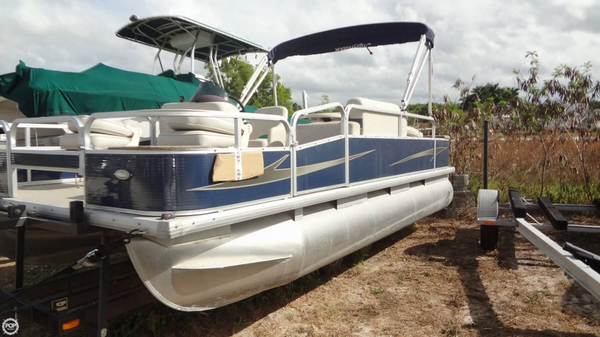 Used Misty Harbor E-1880CF Pontoon Boat For Sale