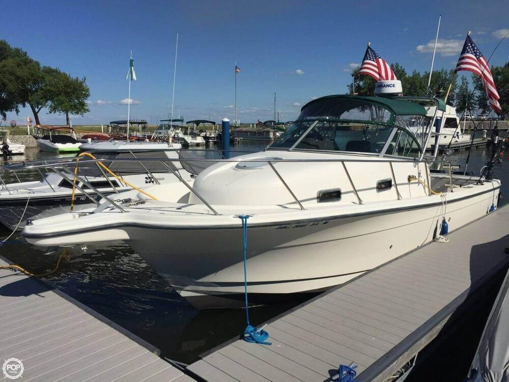 2001 used trophy 2802 walkaround fishing boat for sale for Used fishing boats for sale in michigan