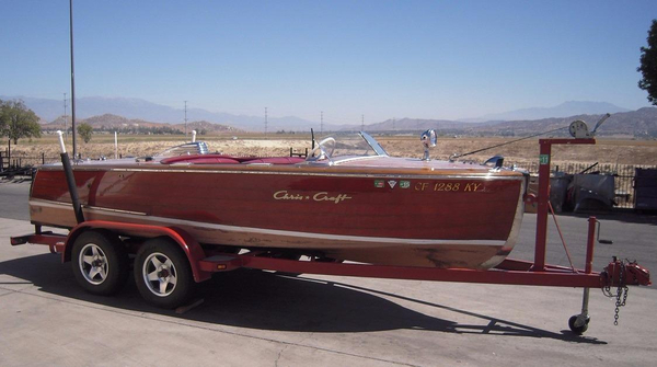 Used Chriscraft deluxe Runabout High Performance Boat For Sale