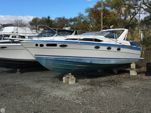Used Bayliner 3450 Avanti Sunbridge Express Cruiser Boat For Sale