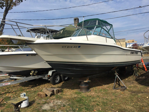 Used Pursuit 2470 Walkaround Sports Fishing Boat For Sale