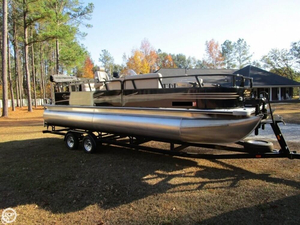 Used Bentley Encore 240 Fish SE Pontoon Boat For Sale