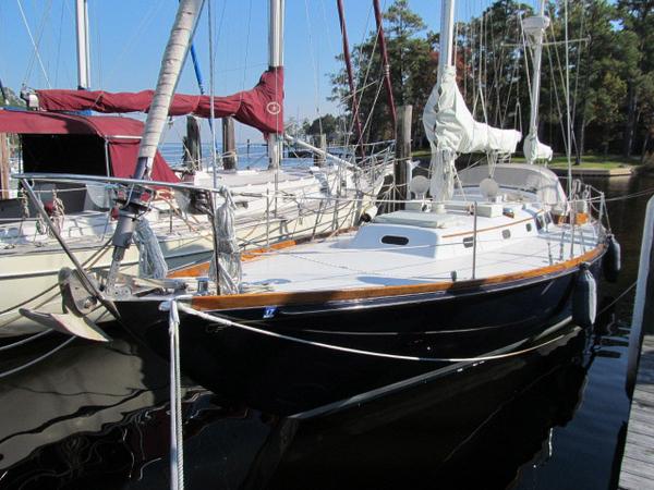 Used Hinckley 40 Bermuda Yawl Sailboat For Sale