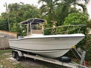 Used Pursuit 2350 Center Console Fishing Boat For Sale