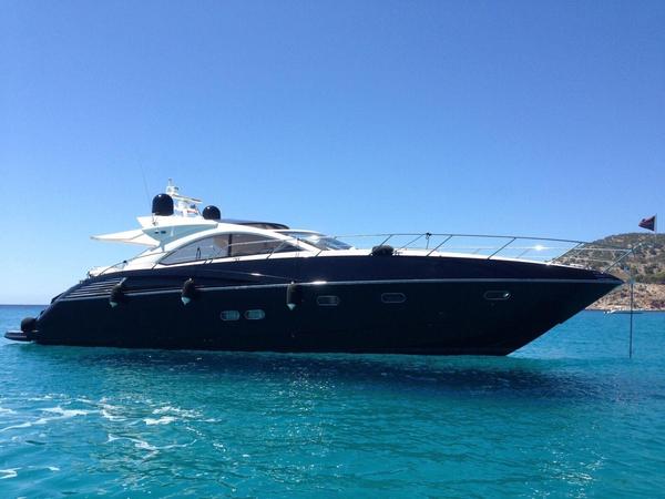 2010 Used Sunseeker Predator 60 Motor Yacht For Sale