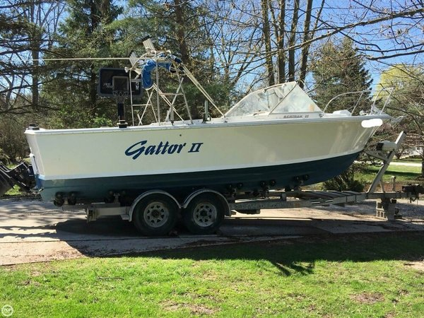 Used Bertram 25 Mark II Convertible Sport Cruiser Sports Fishing Boat For Sale