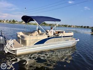 Used Bennington 22SCWX-SPC Pontoon Boat For Sale