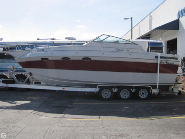 Used Sun Runner 278 Classic Express Cruiser Boat For Sale