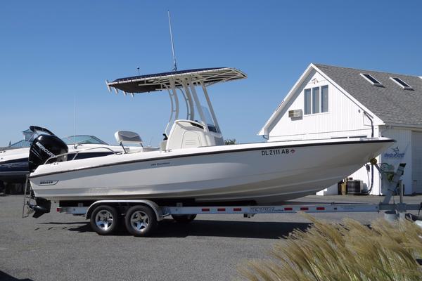 Used Boston Whaler 240 Dauntless Saltwater Fishing Boat For Sale