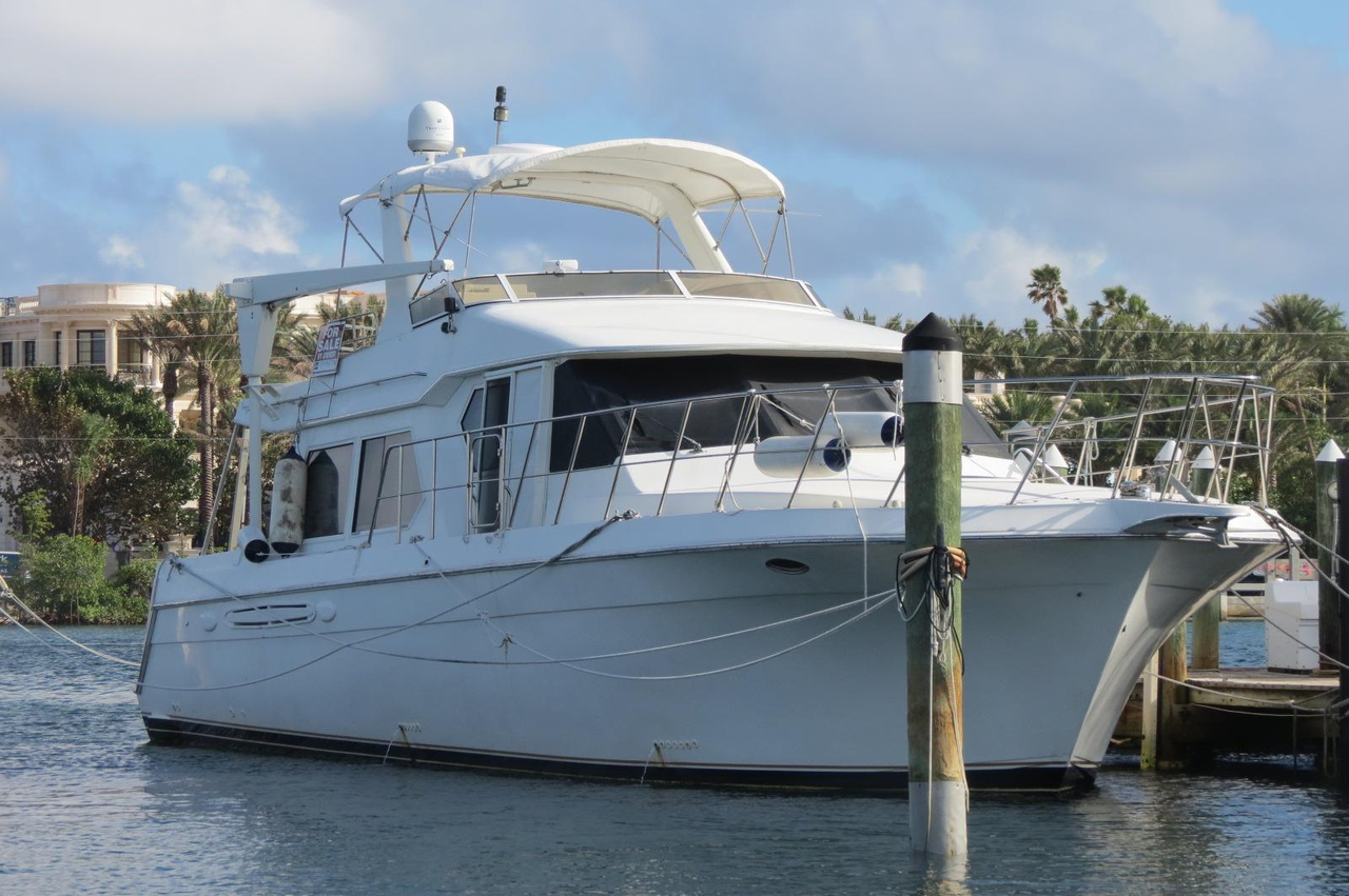 2001 used navigator classic 53 motor yacht for sale for Used motor yachts for sale in florida