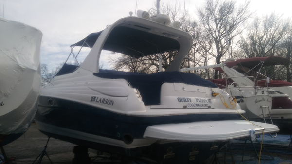 Used Larson 370 Cabrio Cruiser Boat For Sale