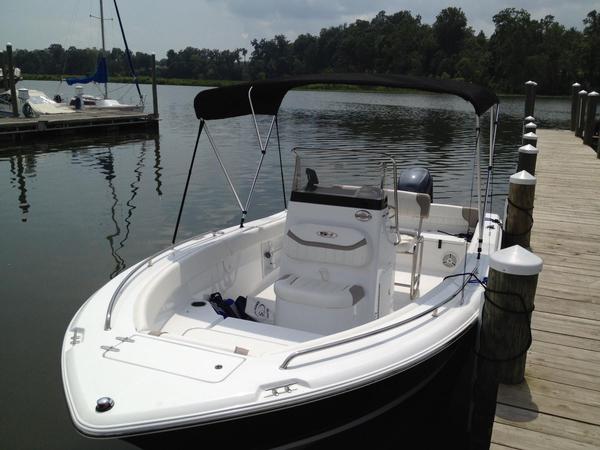 New Sea Hunt Ultra 196 Center Console Fishing Boat For Sale
