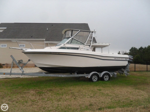 Used Grady-White Gulfstream 232 Walkaround Fishing Boat For Sale