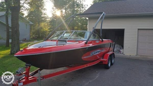 Used Supreme V220 Sky Ski and Wakeboard Boat For Sale