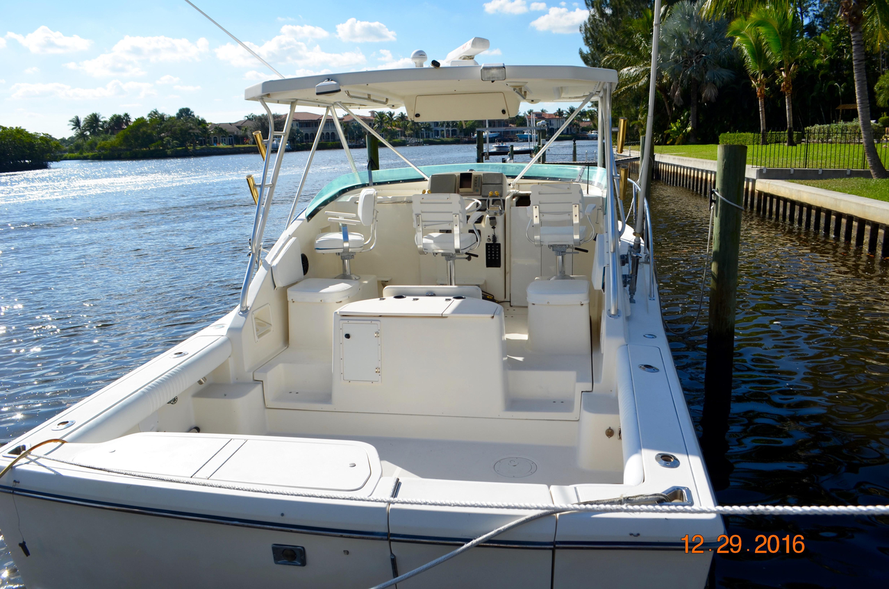 1995 used pursuit 3000 offshore express sport fisherman for Offshore fishing boats for sale