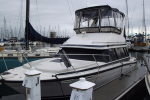 Used Bayliner 2858 Contessa Command Bridge Sports Fishing Boat For Sale