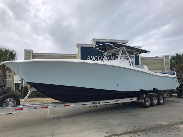 New Invincible 39 Center Console Fishing Boat For Sale