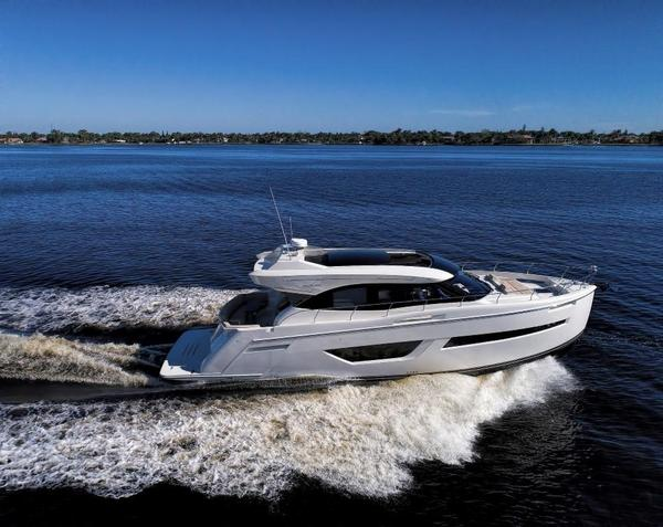 New Carver C52 Coupe Cruiser Boat For Sale