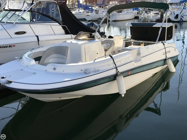 Used Glastron DS215 Deck Boat For Sale