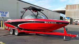 Used Centurion SV 240 Enzo Ski and Wakeboard Boat For Sale