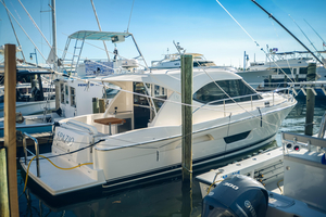 Used Riviera 3600 Sport Yacht Sports Cruiser Boat For Sale