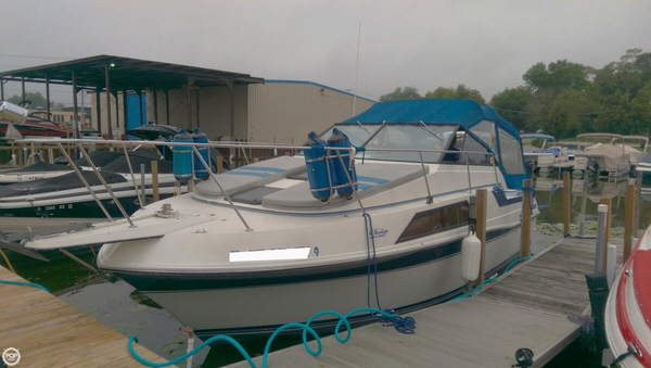Used Carver 2757 Montego Express Cruiser Boat For Sale
