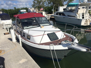 Used Carver 28 Riviera Aft Cabin Boat For Sale
