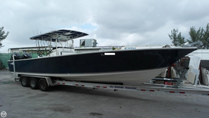 Used Seacraft 32 Master Angler Center Console Fishing Boat For Sale
