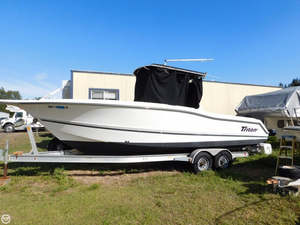 Used Triton 2700 CC Center Console Fishing Boat For Sale