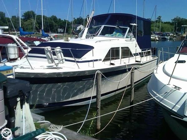 Used Chris-Craft 350 Catalina DC Aft Cabin Boat For Sale