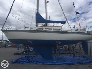 Used Newport 33 Sloop Sailboat For Sale