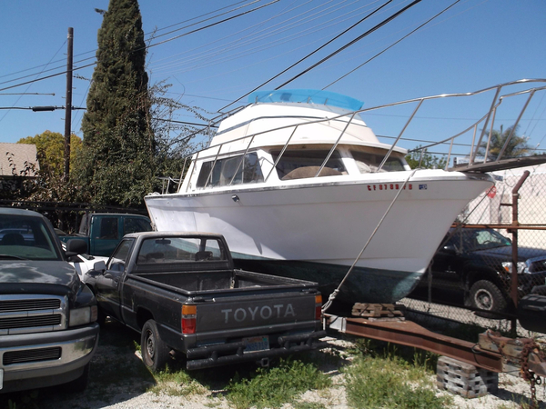 Used Luhrs 28 Flybridge Boat For Sale